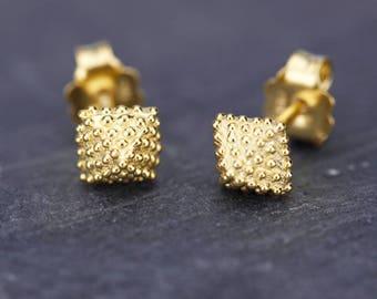pyramid studs earrings, geometric earrings, stud earrings, minimalist earrings, earrings, small earrings, simple earrings, gold studs, studs
