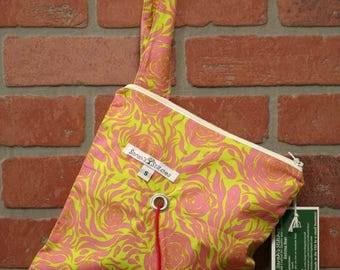 Knitting Bag, Crochet, Knit, Yarn, Wool, Pink Flowers, Yarn Storage, Yarn Bag with Hole, Grommet, Handle, SYB111