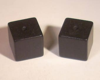 Set of 5 wooden square 14mm black beads