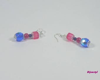 Very pretty earrings with bright colors