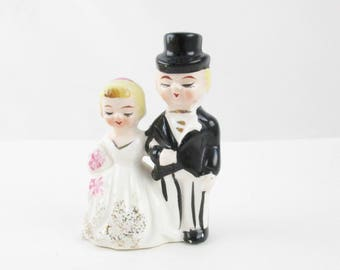 Tiny Ceramic Wedding Couple - Bride and Groom - Fun Cake Topper - Wedding Accessory or Decoration - Too Cute!