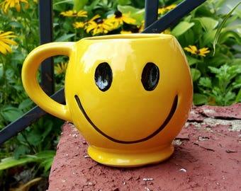 Vintage Smiley Face Mug