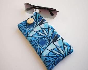 Glasses case, sunglasses case, eyeglasses case, Case for sunglasses, Soft glasses case, glasses sleeve, sunglasses sleeve. Quilted case