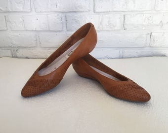 Women's Size 6.5 Leather Pointed Toe Flats