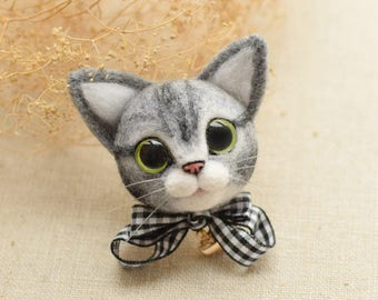 Little Kitten Needle Felting Brooch/Keychain DIY Kit