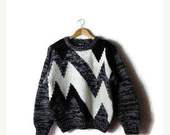 Clearance SALE 40% off Vintage Black x White Zigzag Acrylic Sweater from 80's/Marled*