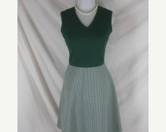 On sale 1960s 1970s Green Hounds Tooth Vintage Womens Party Dress Set W 26