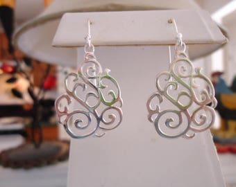 Beautiful Round Lattice Sterling Pierced Earrings