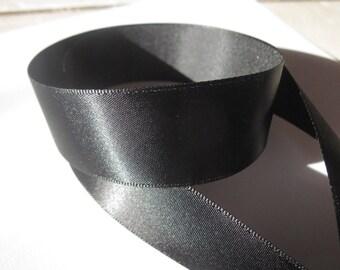 1 m 25 mm (2) black color satin ribbon