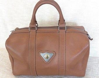 20% SUMMER SALE Genuine vintage Renoma Paris tan pebble leather satchel bag large