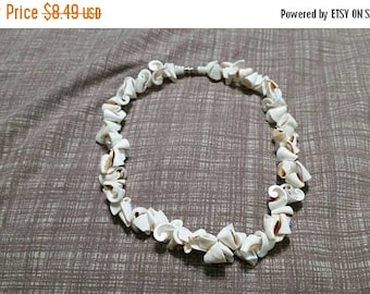 On Sale Island Style Large White  Shell  16 inch Shell Necklace Costume Jewelry Fashion Accessory