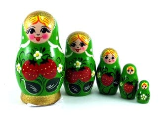 Nesting Dolls 5 pcs Russian matryoshka doll for kids Babushka set Wooden authentic stacking handpainted dolls toys Strawberries