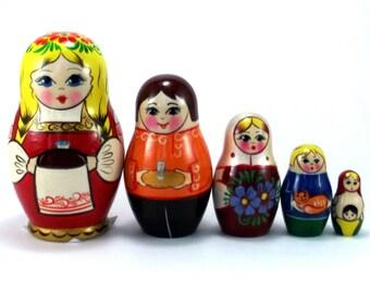 Ethnic Nesting Dolls 5 pcs Russian matryoshka doll Babushka set for kids Wooden authentic stacking handpainted dolls toys Russia woman