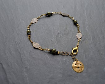 """""""Amadores"""" Czech glass and brass chain anklet"""