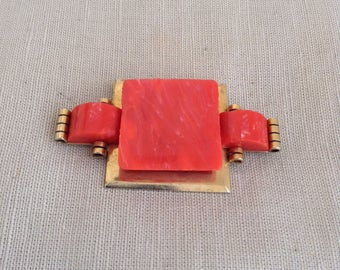 1930's brooch (golden and corail colored)