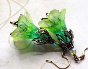 """Lucite Flower Earrings, """"Limeade"""", Green Flower Earrings, Drop Earrings, Dangle Earrings, Vintage Style Earrings, Boho Earrings, Lime Green"""