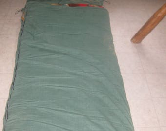 Vtg Roll up vtg 70s sleeping bag flannel lined wild life fowl flannel lining 79 length 34 wide in excellent shape
