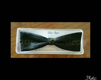 Mens vintage  dead stock bow tie