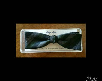 Mens vintage deadstock bow tie