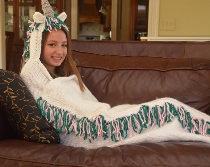 IN STOCK - Unicorn Hooded Blanket - size M