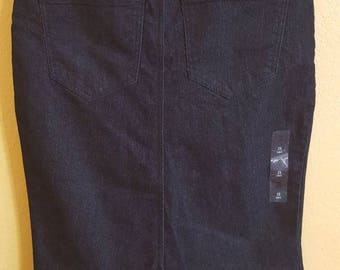 Upcycled Women's Below-the-Knee Denim Skirt Size 2