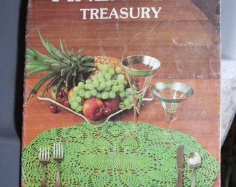 Vintage Creative Hands Pineapple Treasury 1981 crochet pattern book 11 patterns 26 pages