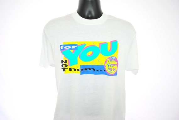 1988 Bubble Yum Keeps It Poppin' Vintage Nickelodeon Style Leonardo DiCaprio Era Commercial Bubble Gum Ad Campaign Candy Promo T-Shirt 8DiNv1MqX