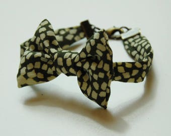 Bracelet 25 beige and khaki geometric pattern fabric bow