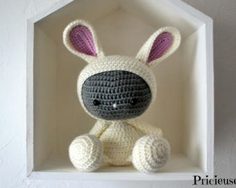 Amigurumi Doudou rabbit with crochet hook ecru glitter