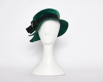 green velvet hat vintage 1930s • Revival Vintage Boutique