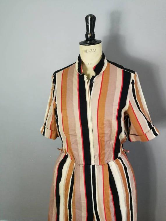 50s shirt dress / 1950s striped cotton dress / 50s day dress / vintage original 50s dress / button up midi dress / black brown stripes