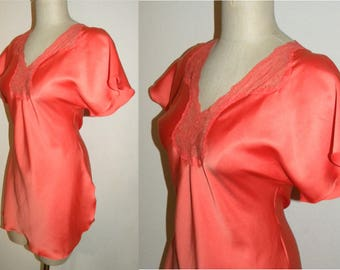 Vintage nightie / Victoria's Secret / Nightgown / Salmon - Orange /LACE / lounge / sleep wear /  S