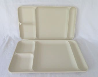 2 Tupperware TV Dining Trays #1535