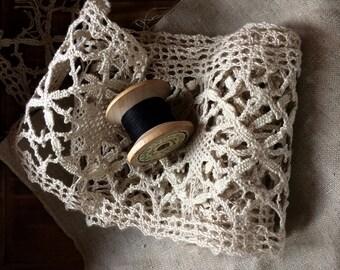 Antique French bobbin lace wide ecru linen lace border