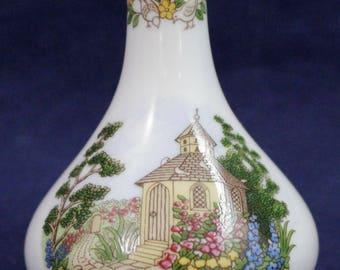 "Spode Miniature Bud Vase White Cottage Garden 2-7/8"" x 2"""