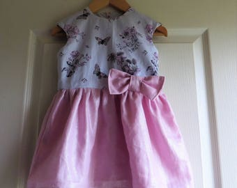 Grey and pink butterflies for a chic spring dress (2 years)