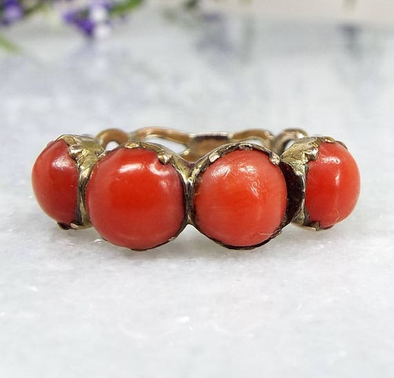 Antique Georgian 15ct Gold Cased Loved Coral Cabochon Link Band Ring / Size M