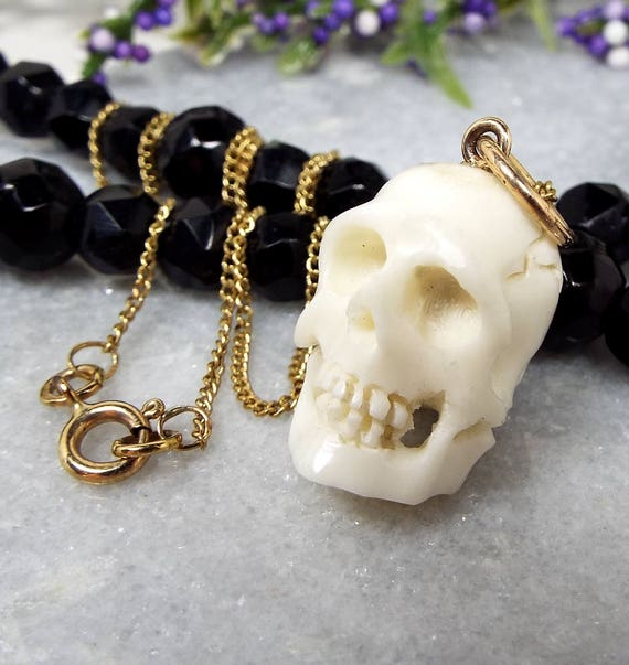 Antique / Victorian 9ct Gold Necklace with Carved Memento Mori Realistic Human Skull Fob Pendant