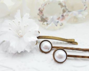 Pearl Bobby Pin Set, White Flower Bridal Hairpin, White Floral Hair Clip, White Pearl Wedding Accessories, White Bridesmaid Hair Pin, H4238