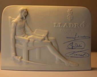 Lladro Collectors Society Porcelain Stand for Collectors Signed By Lladro Brothers