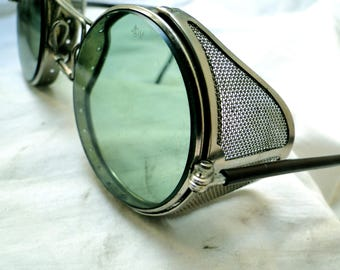 "VINTAGE STEAMPUNK SUNGLASSES 1940""S  green glass lenses silver metal frames & mesh side shields...ww2..mint condition!!"