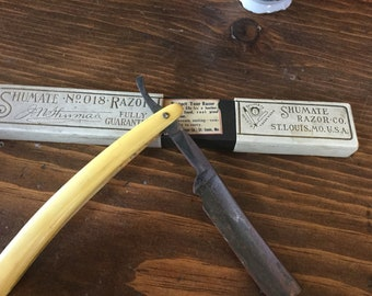 Antique Straight Edge Razor with Unmatched Box