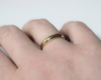 Size 8 14k yellow gold band 4mm wide wedding band