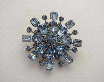 Light Sapphire Brooch With Gorgeous Octagon and Oval Rhinestone