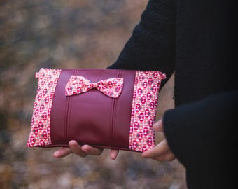 Bow Burgundy leatherette pouch and tissue chart