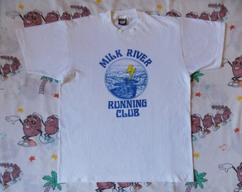 Vintage 80's Milk River Running Club T shirt, size Medium nature scene Screen Stars