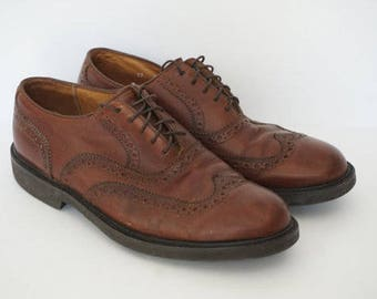 Vintage 90s Florsheim Wingtip Oxfords- Men's Size 9 Brown (Cognac)