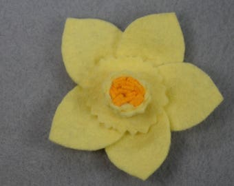 Yellow Daffodil Pin Made-to-Order - Flower Brooch - Felt Brooch - Felt Flower - Felt Pin -Flower Jewelry - Artificial Flower - Fake Flower