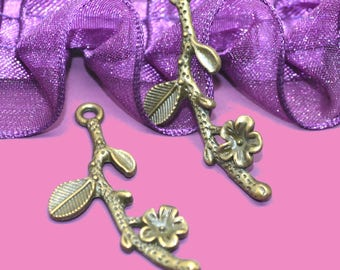10 charms bronze 39x17x2mm flowering branches