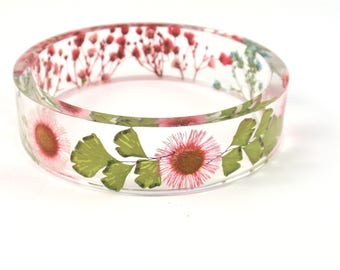 Stylish bangle Nature bangle bracelet with Real flowers, botanical jewelry, pink and green bangle, Eco Resin bracelet, gift for her, Size M